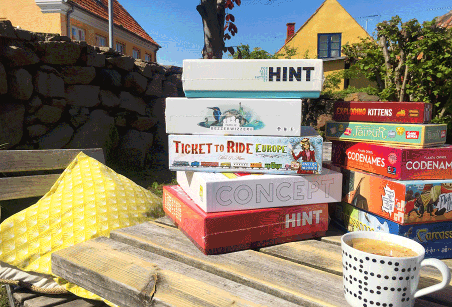 boardgames and coffe on a outdoor table